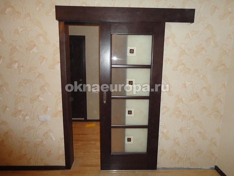 Двери в комнату